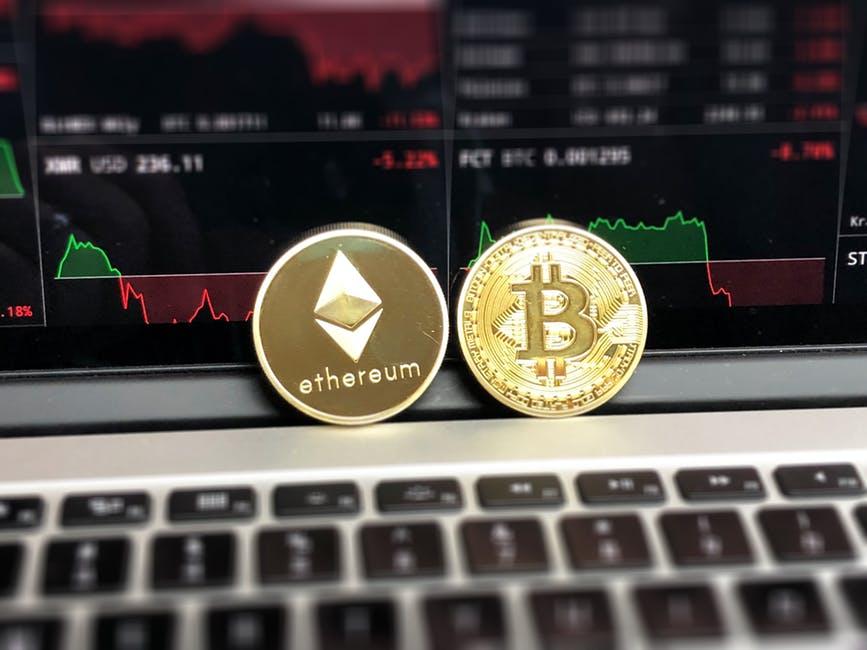 Blockchain, doch was ist das eigentlich? Bitcoin und Ethereum = Cryptowährungen.
